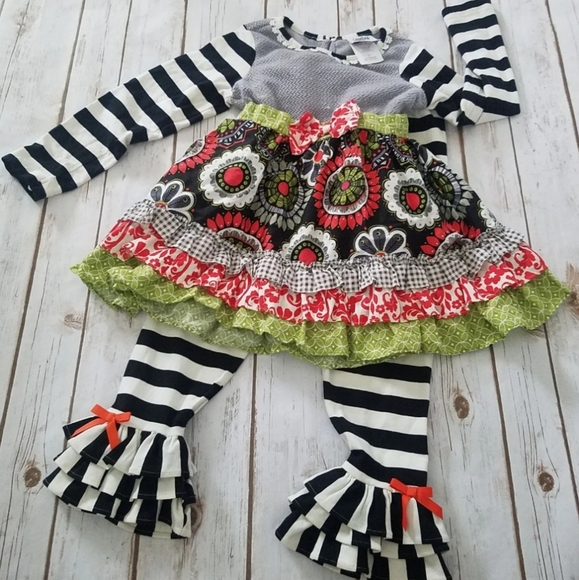 NWT Counting Daisies outfit - 6x